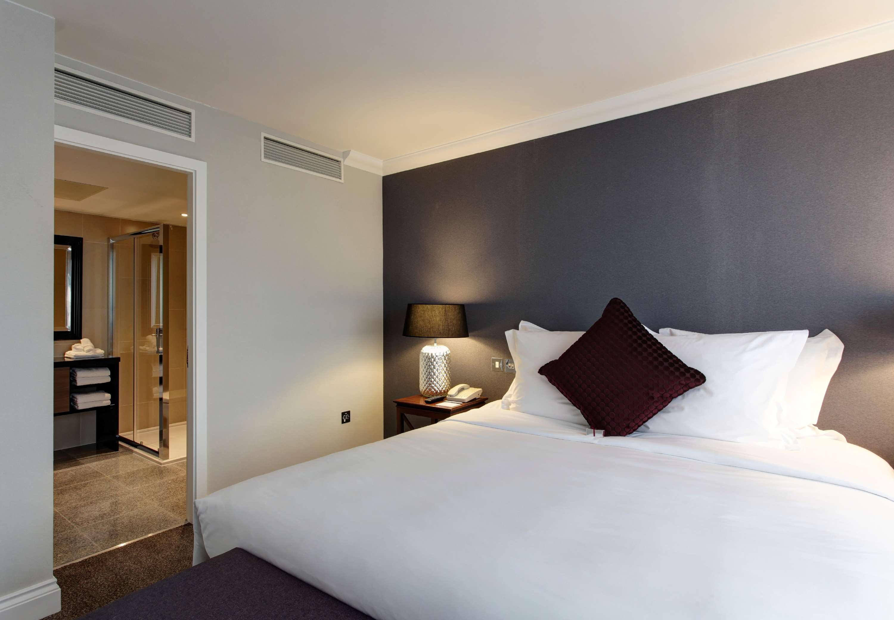 Renaissance London Heathrow Hotel 4